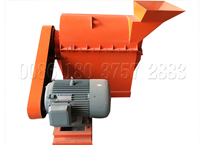 Semi-wet fertilizer crusher for small scale fertilizer production