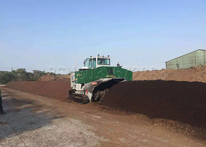 Windrows for windrow composting working