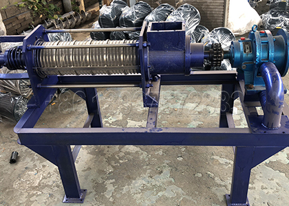 Cow dung screw press dewatering machine