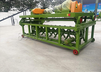 Trench composting machine for bio compost fertilizer making